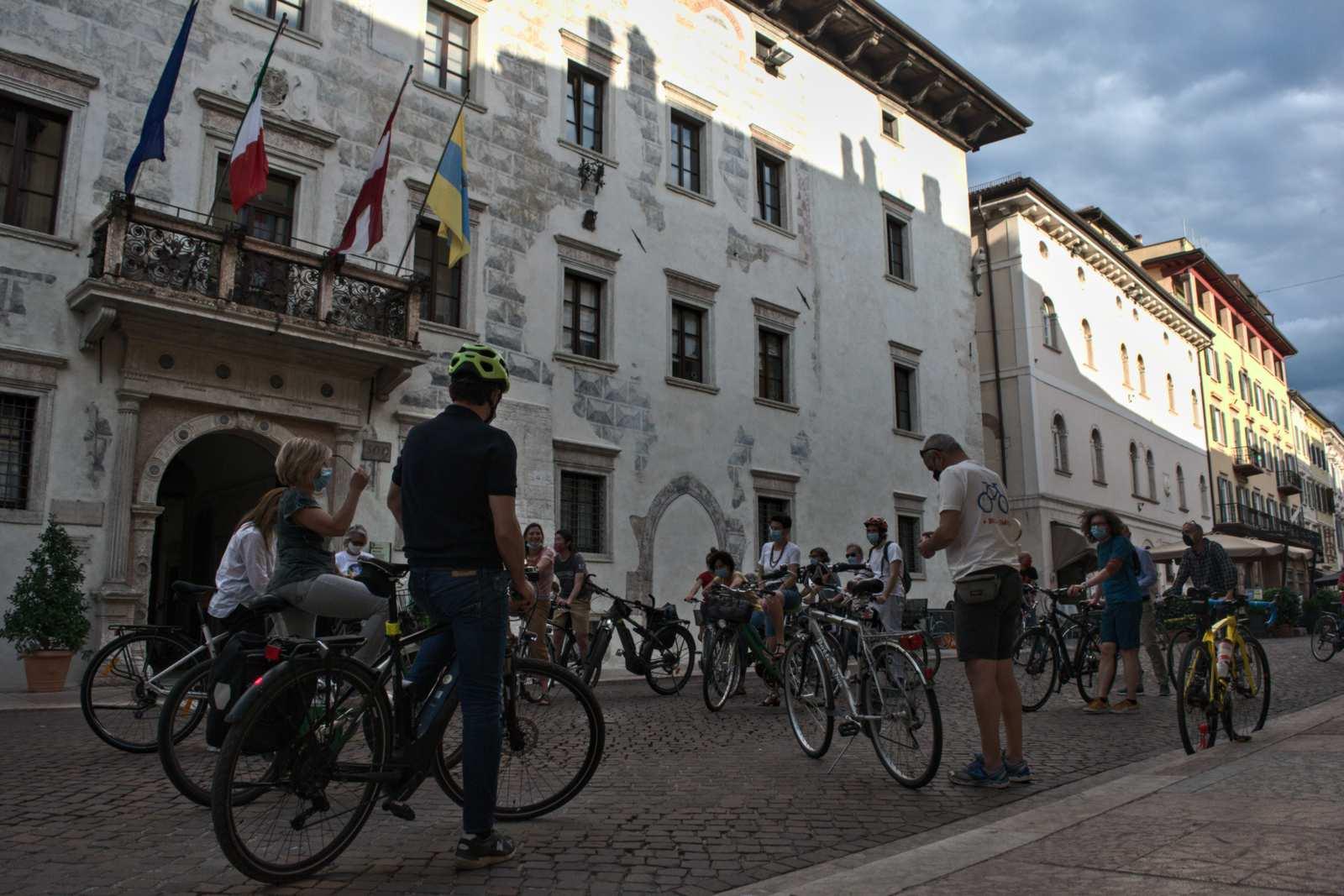 La Critical Mass del 29 maggio a Trento termina sotto il comune