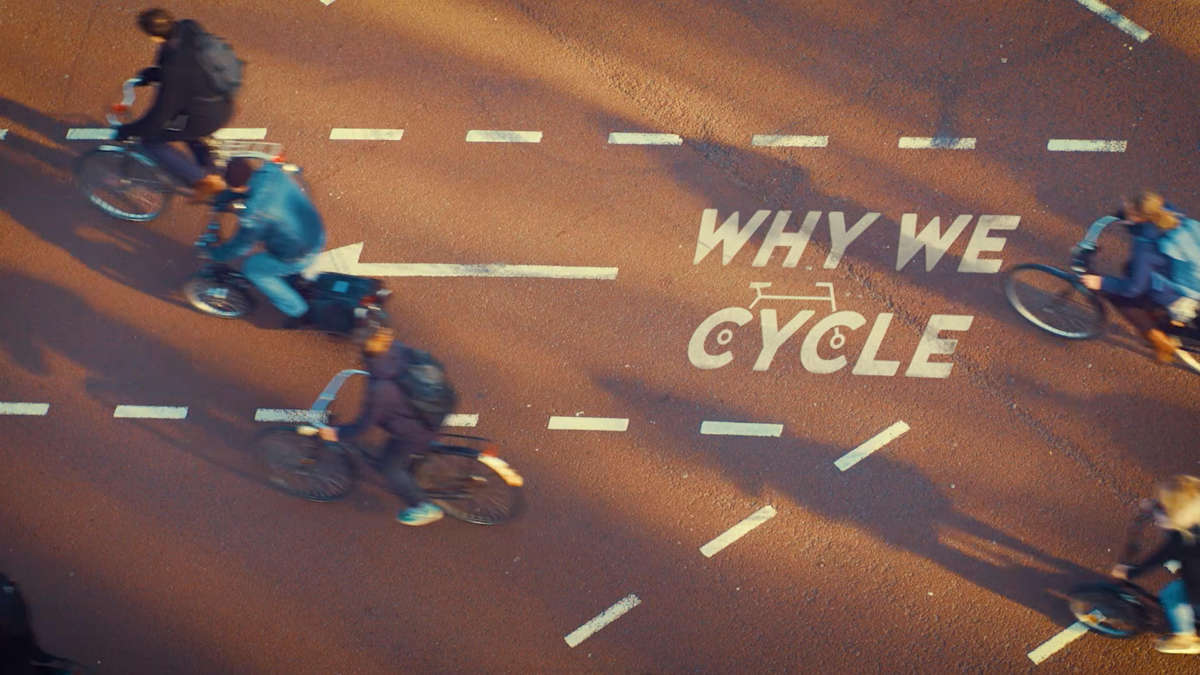 "Billboard of the documentary ""Why we cycle"""